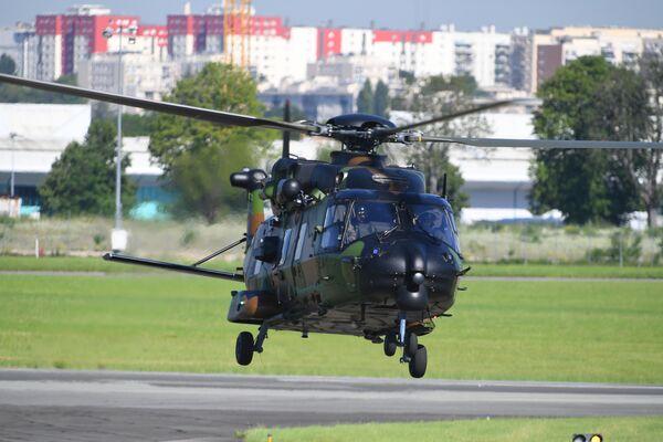 Многоцелевой вертолет, разработанный франко-германским консорциумом Eurocopter NHI NH90 на международном аэрокосмическом салоне Paris Air Show 2019 во Франции