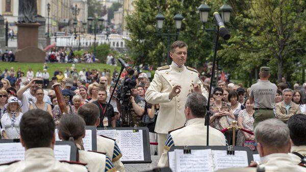 Выступление Президентского оркестра в Александровском саду