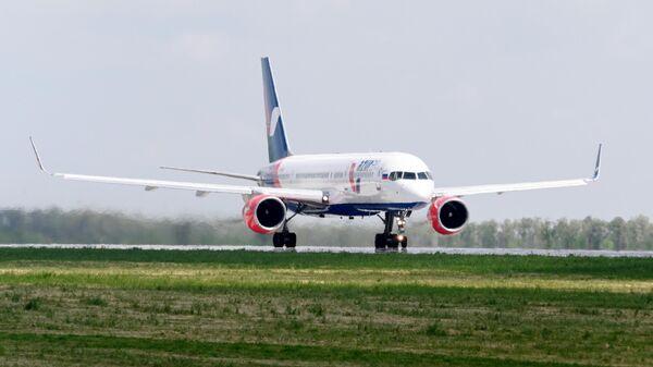 Самолет Boeing 757-200 авиакомпании Azur Air