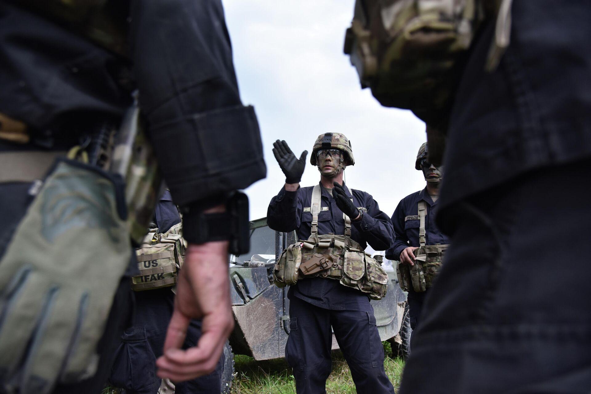 Американские военные во время учений на Яворивском полигоне во Львовской области - РИА Новости, 1920, 07.04.2021