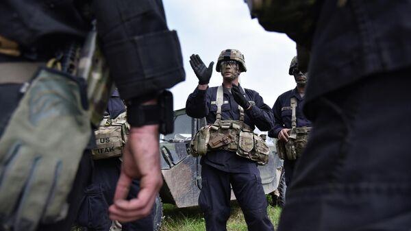 Американские военные во время учений на Яворивском полигоне во Львовской области