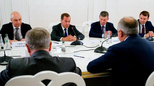 Председатель правительства РФ Дмитрий Медведев во время встречи в Минске с премьер-министром Белоруссии Сергеем Румасом. 21 июня 2019