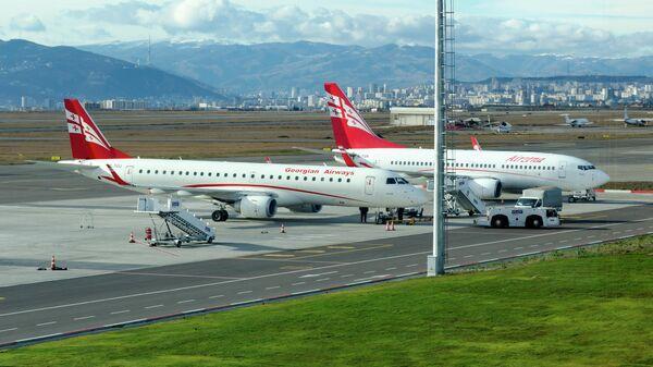 Самолеты грузинской авиакомпании  Airzena