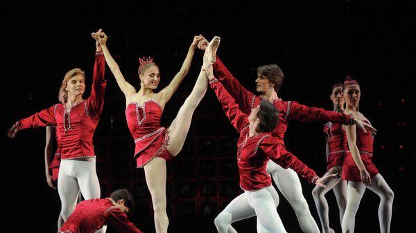 Репетиция балета Драгоценности