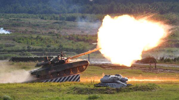 Танк Т-90А во время динамического показа на форуме Армия-2019