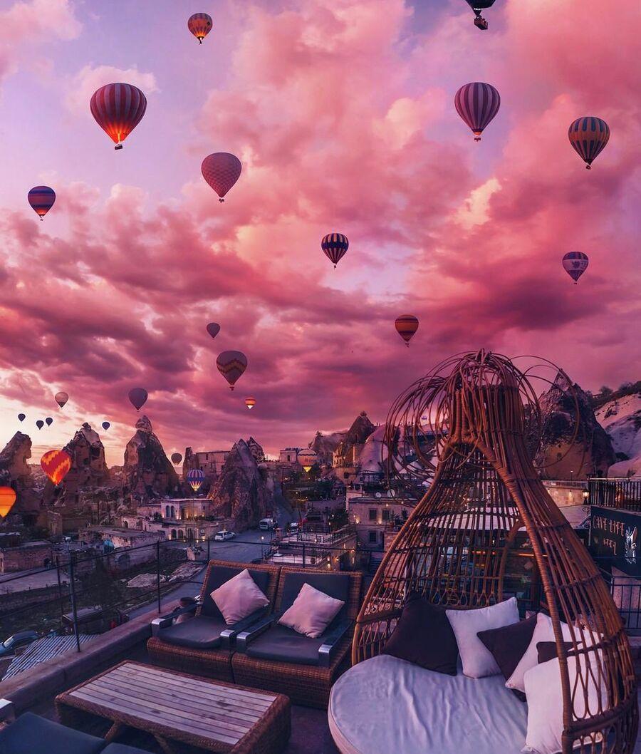 Рассвет в городе Гёреме, Каппадокия. Турция
