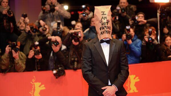 Американский актер Шайа Лабаф  на красной дорожке фильма Нимфоманка на 64-м кинофестивале в Берлине