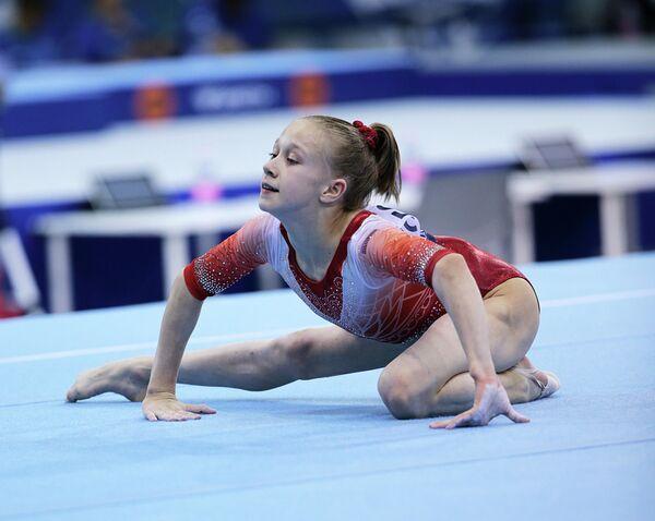 Виктория Листунова на чемпионате мира по спортивной гимнастике в Дьере