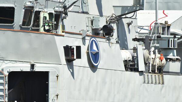 Канадский фрегат Торонто в морском порту Одессы