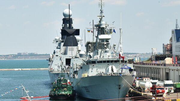 Канадский фрегат Торонто и британский эсминец Дункан прибыли в морской порт Одессы