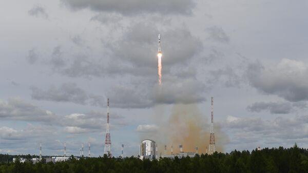 """В """"Роскосмосе"""" сообщили об успешном выведении 33 спутников на орбиту"""