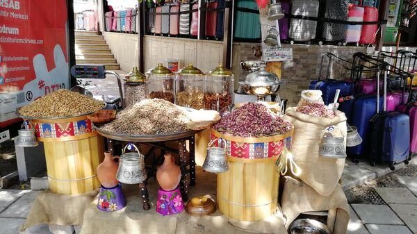 Орехи продают на развес прямо на улице Бодрума