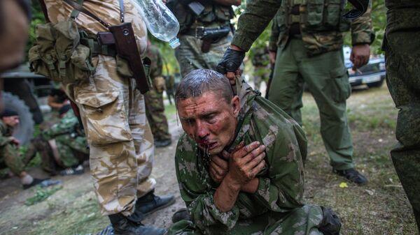 Украинский десантник, взятый в плен в ходе боя за город Шахтерск