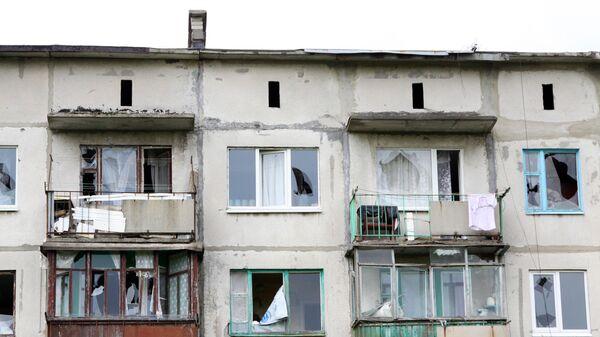 Последствия обстрела украинскими силовиками города Горловка