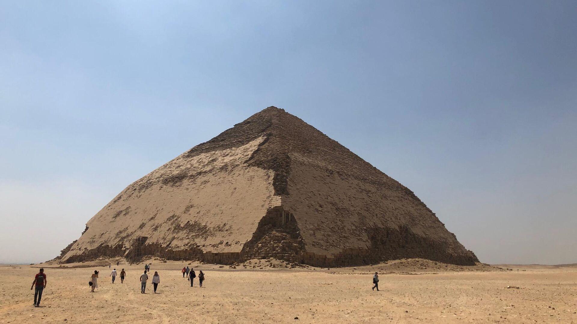 Ломаная пирамида в Дахшуре, Египет - РИА Новости, 1920, 18.09.2020