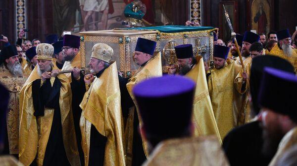 Встреча мощей святых Петра и Февронии в храме Христа Спасителя