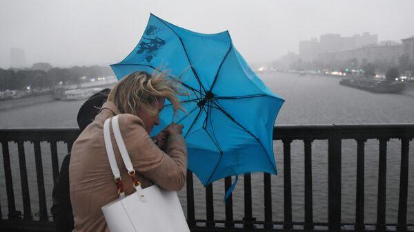 Ненастная погода и ветер в Москве