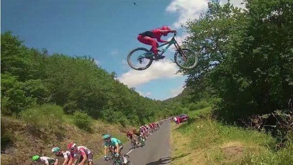 Прыжок Валентена Ануйя на Тур де Франс