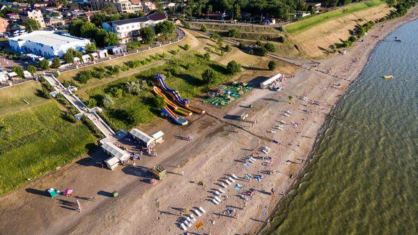Курортный город Ейск и пляж на Ейской косе на Азовском море