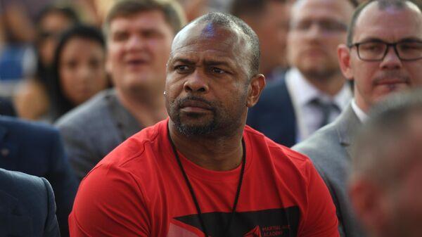 Американский боксер Рой Джонс