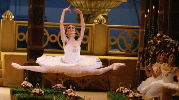 Светлана Захарова в роли Медоры в балете Адольфа Адана Корсар в постановке Алексея Ратманского на сцене ГАБТ