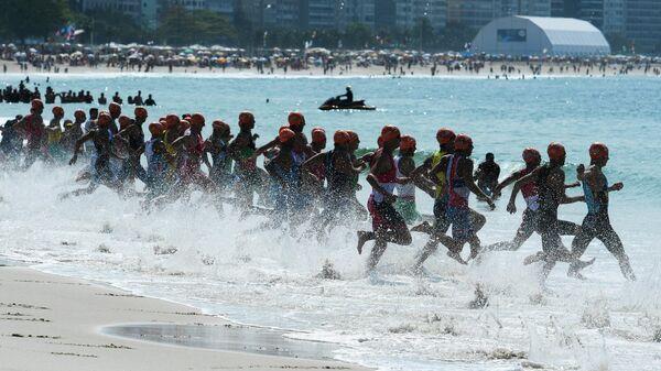 Старт соревнований по триатлону
