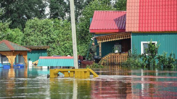Затопленный дом в селе Норск в Селемджинском районе Амурской области