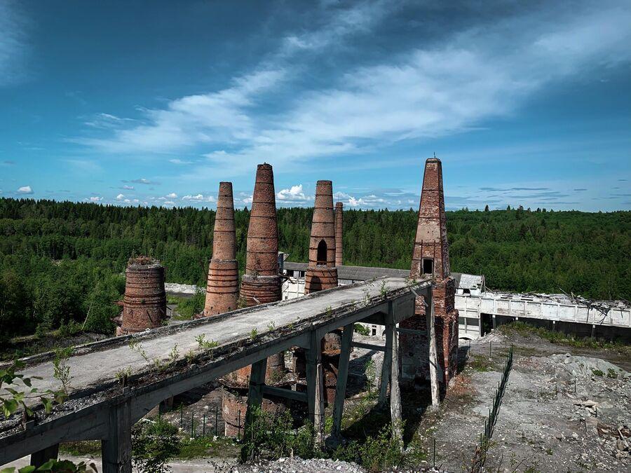 Карелия. Заброшенный завод рядом с горным парком Рускеала.