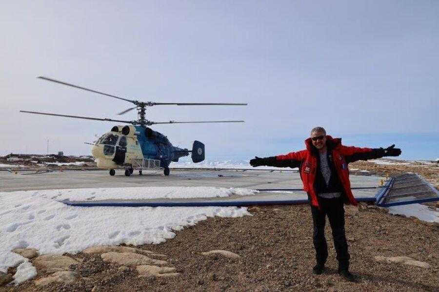 Антарктида. Валдис Пельш на станции Прогресс