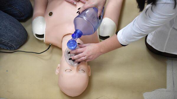 Во время проведения занятия по оказанию первой медицинской помощи