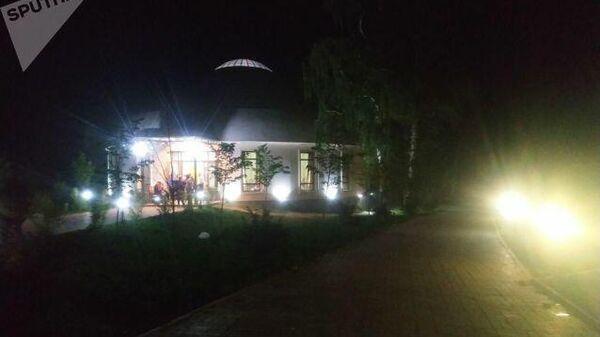 Ситуация у дома бывшего президента Алмазбека Атамбаева