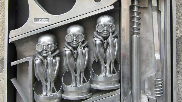 Скульптура Ханса Рудольфа Гигера