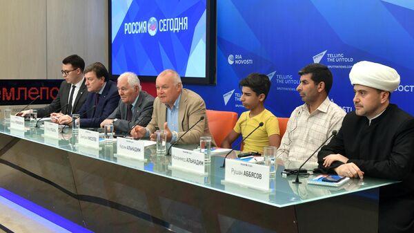 Участники пресс-конференции по итогам лечения Касима Алькадима – героя лучшего снимка конкурса им. Андрея Стенина