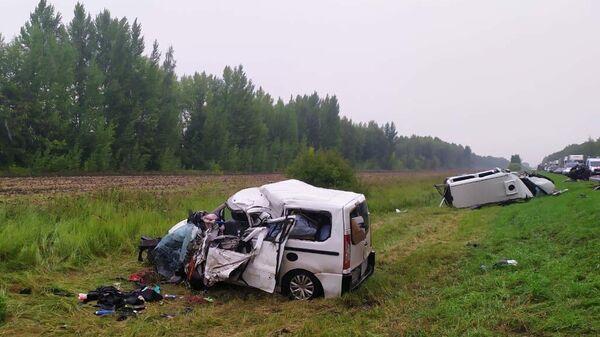 На месте ДТП с участием двух микроавтобусов в Тамбовской области