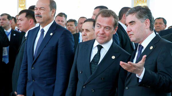 Председатель правительства РФ Дмитрий Медведев и президент Туркмении Гурбангулы Бердымухамедов на Первом Каспийском экономическом форуме. 12 августа 2019