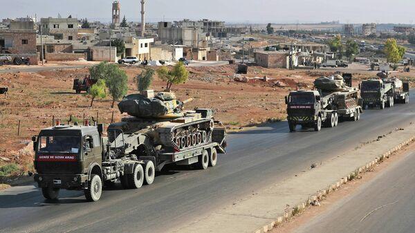 Турецкая военная техника в городе Саракиб в Сирии
