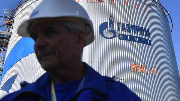 Цистерна с топливом в терминале компании Газпромнефть