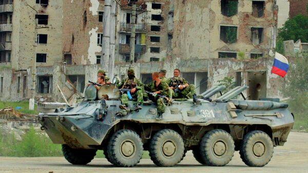 Российские военные патрулируют улицы Грозного в Чечне