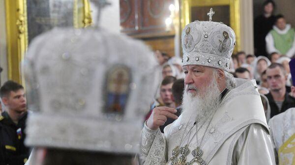 Патриарх Московский и всея Руси Кирилл во время Божественной литургии в Спасо-Преображенском соборе Санкт-Петербурга