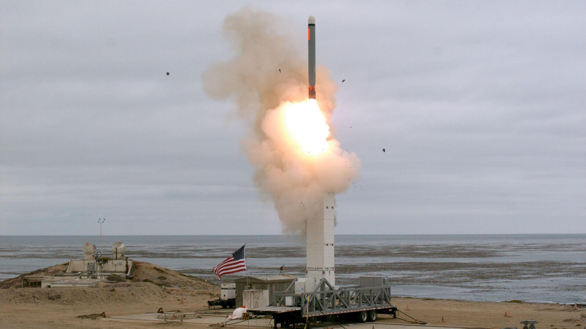 Испытание крылатой ракеты на острове Сан-Николас в Калифорнии - РИА Новости, 1920, 13.06.2021