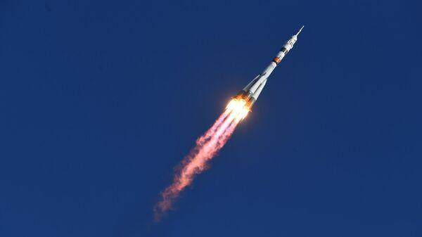 Запуск ракеты-носителя Союз-2.1а с пилотируемым кораблем Союз МС-14