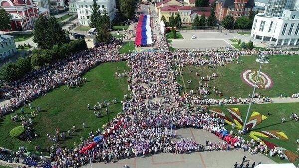 На Тамбовщине прозвучала новая песня в честь государственного флага РФ