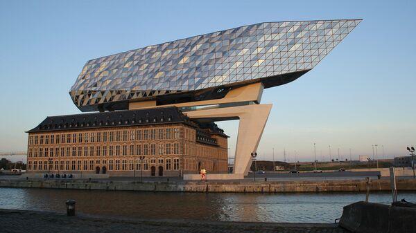 Здание администрации порта в Антверпене