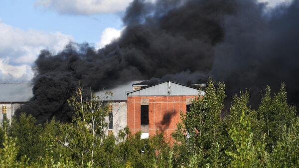 Пожар в административно-складском здании в Невском районе Санкт-Петербурга. 22 августа 2019