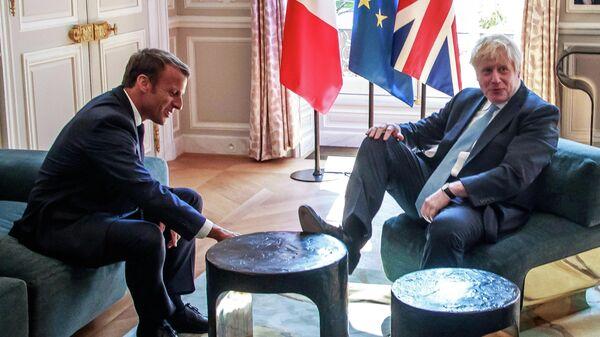 Премьер-министр Великобритании Борис Джонсон во время встречи с президентом Франции Эммануэлем Макроном во дворце Елисейского дворца в Париже. 22 августа 2019