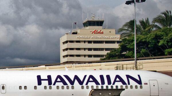 Самолет в аэропорту Гонолулу