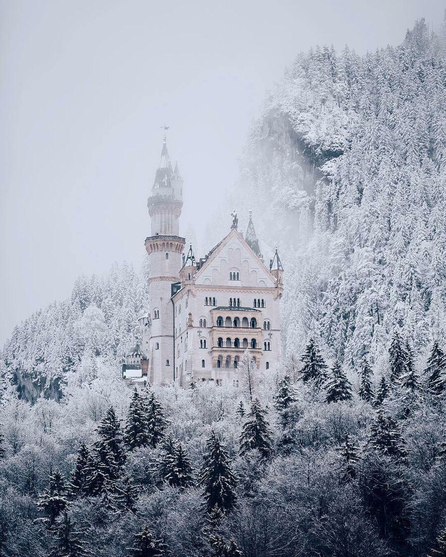 Замок Нойшванштайн в снегу, Бавария