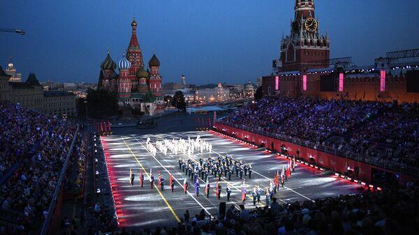Торжественная церемония открытия XII Международного военно-музыкального фестиваля Спасская башня на Красной площади в Москве. 23 августа 2019