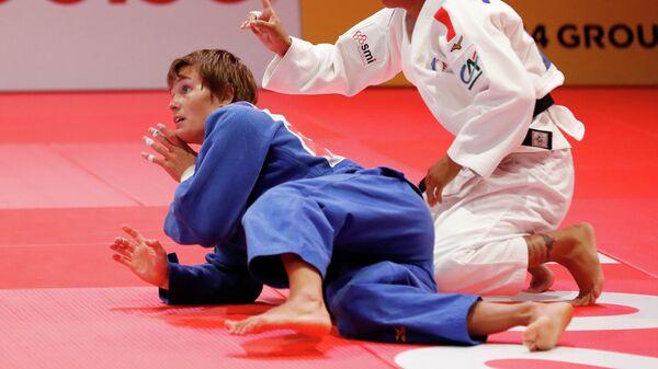 Российская дзюдоистка Наталья Кузютина во время схватки на чемпионате мира