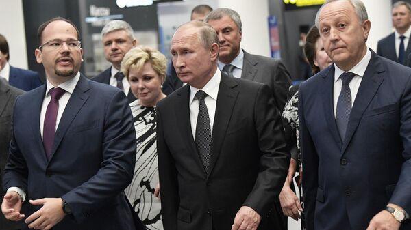 Президент 27 августа 2019.РФ Владимир Путин во время посещения нового международного аэропорта Гагарин в Саратовской области. 27 августа 2019